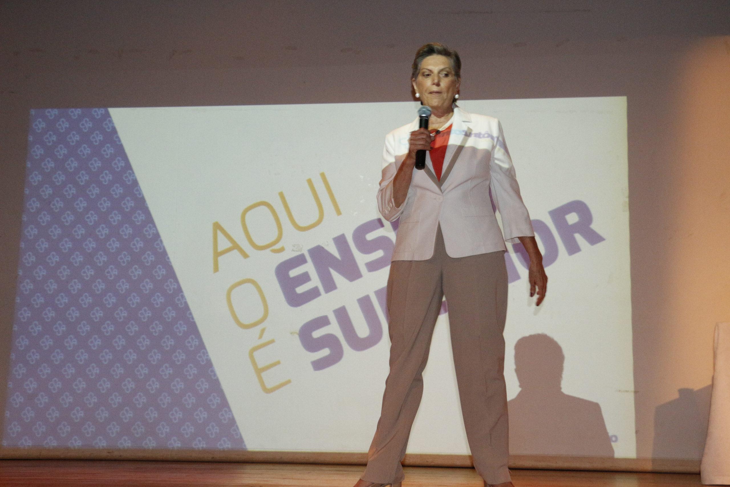 Sueli Carrijo apresentou as inovações realizadas no Colégio